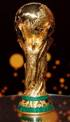 世界杯来啦!看得过瘾 《FIFA足球世界》玩得尽兴